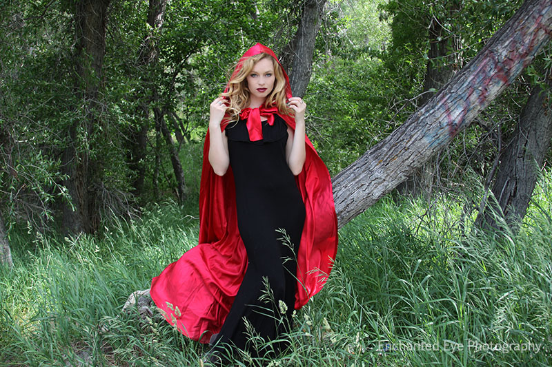 03-Vampire_Little-Red-Riding-Hood_New-Mexico_Costume_Halloween_taos