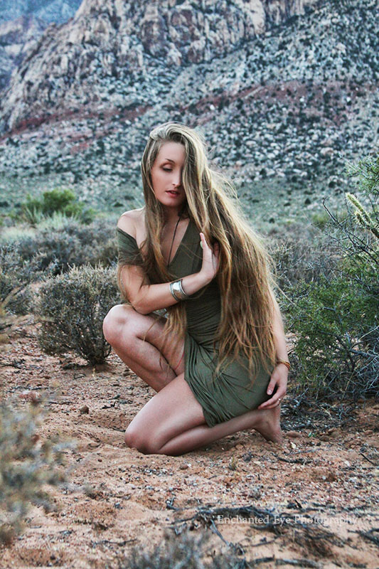 04-Red-Rock_Las-Vegas_photographer-Nevada-model-very_long_hair-yoga-dance