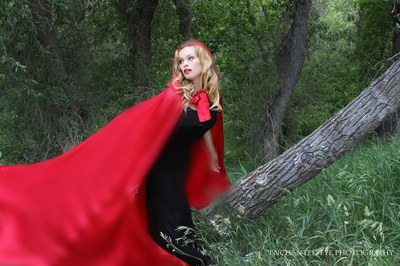 04-Vampire_Little-Red-Riding-Hood_New-Mexico_Costume_scared_Halloween_taos