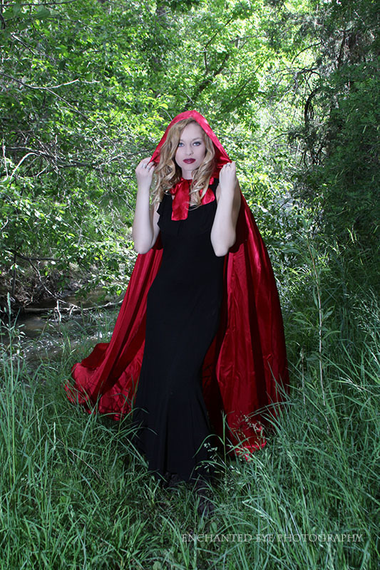 05-Blonde-Vampire_Little-Red-Riding-Hood_New-Mexico_Costume_Halloween_taos