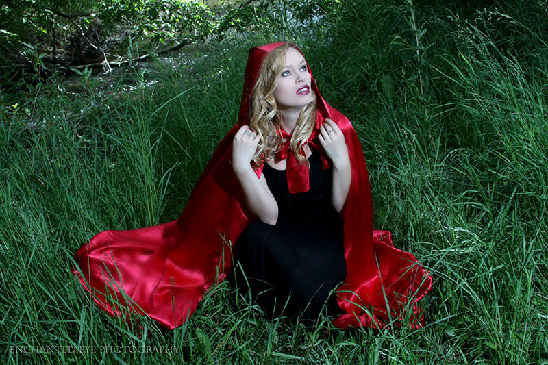 07-Blonde-Vampire_Little-Red-Riding-Hood_fright_New-Mexico_Costume_Halloween_taos