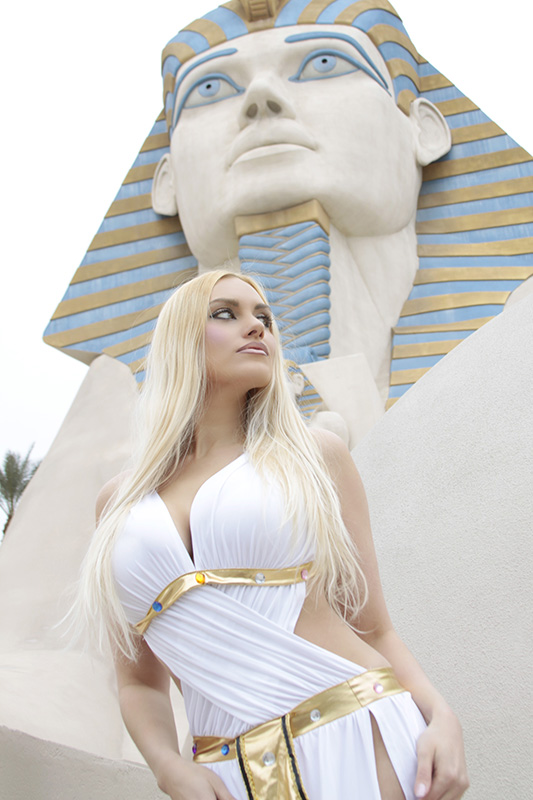 PAR01-Las_Vegas-Luxor_Casino-blonde-model-las_vegas_photographer_MG_7119a