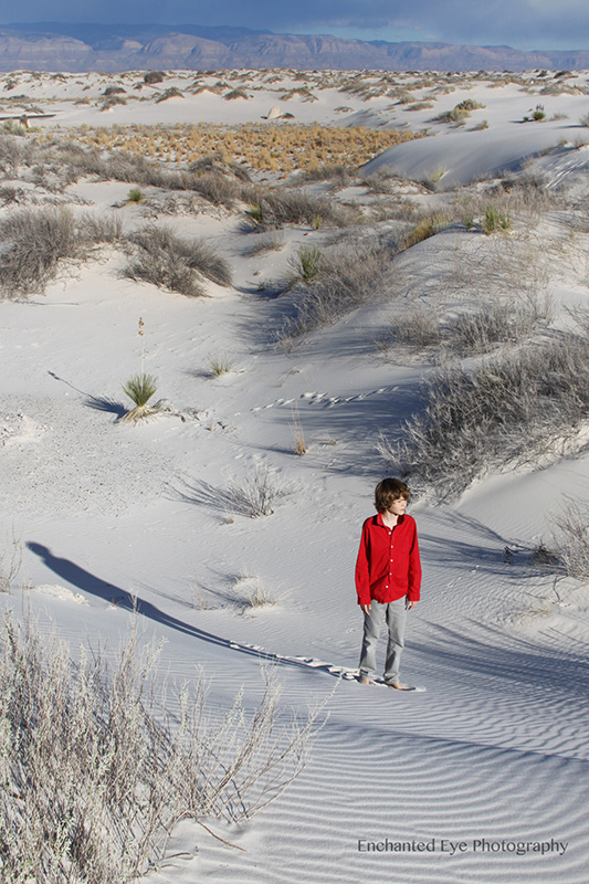 WEB-White_Sands-New_Mexico-gypsom-dunes-young_boy-red_shirt-AaIMG_6104